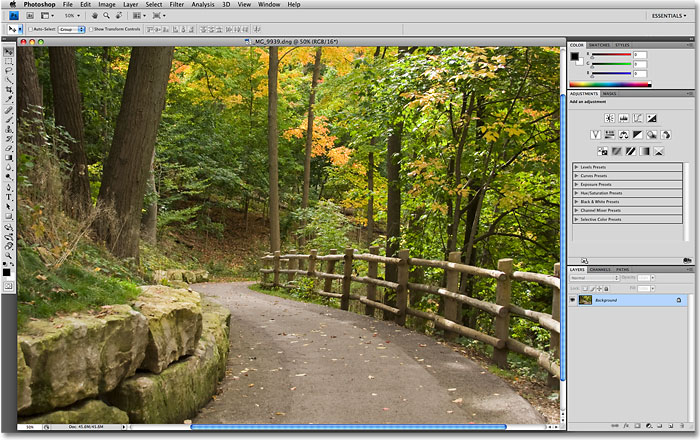 The new user interface in Photoshop CS4. Image © 2009 Photoshop Essentials.com.