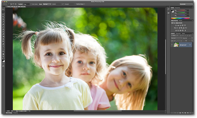 Photoshop CS6 is now the default image editor in Mac OS X. Image © 2013 Photoshop Essentials.com
