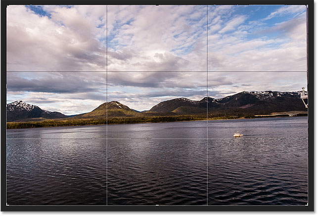 The initial crop border surrounding the image. Image © 2016 Photoshop Essentials.com