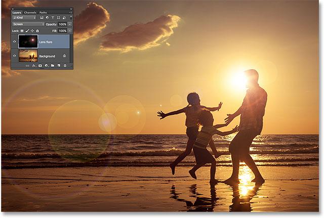 Photoshop lens flare effect. Image © 2015 Photoshop Essentials.com.