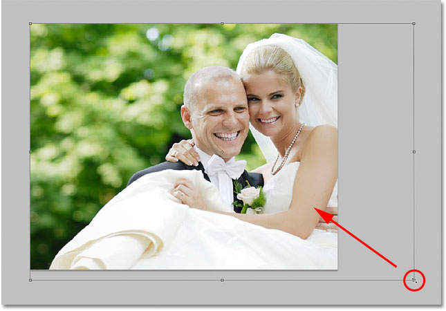 Resizing an image with the Free Transform command in Photoshop. Image © 2009 Photoshop Essentials.com