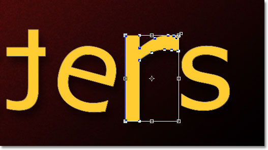 Resizing the letter 'r' with Free Transform. Image © 2011 Photoshop Essentials.com.