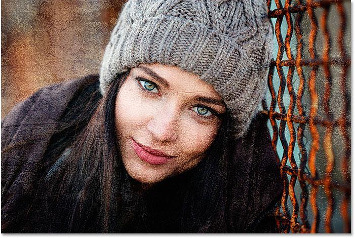 Las imágenes de la textura y el retrato se mezclan ahora en Photoshop.