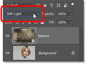 在 Photoshop 的图层面板中将纹理的混合模式更改为柔光
