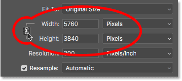 Relinking the Width and Height in the Image Size dialog box in Photoshop