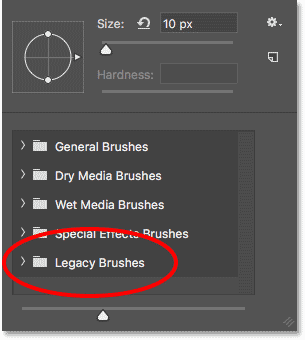 The Legacy Brushes set has been loaded into Photoshop CC 2018.