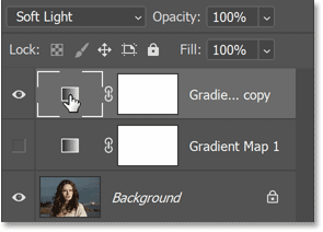 Selecting the Gradient Map adjustment layer that will be copied to the second image.