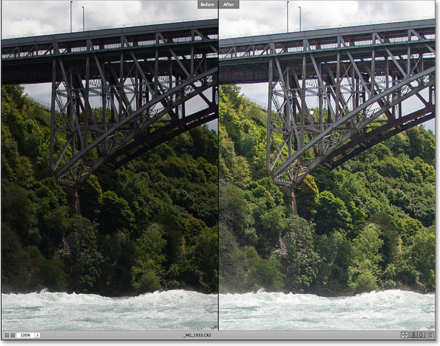 Both versions of the image zoom and scroll together in Camera Raw.