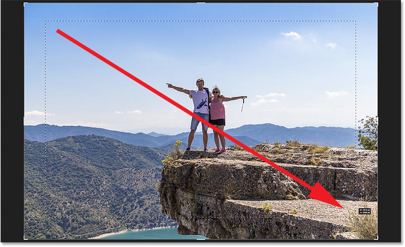 Clicking and dragging a crop border manually in Photoshop