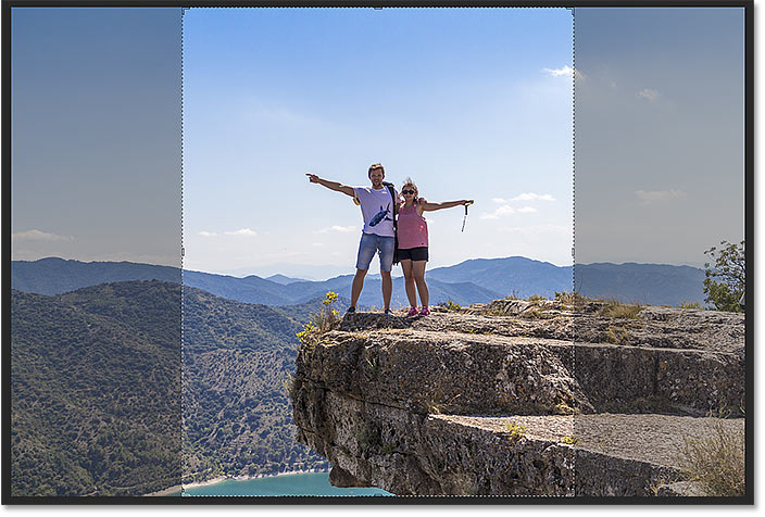 The cropping border in Photoshop is set to the previous aspect ratio