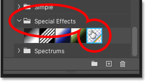 Selecting the Russell's Rainbow gradient in Photoshop's Gradients panel