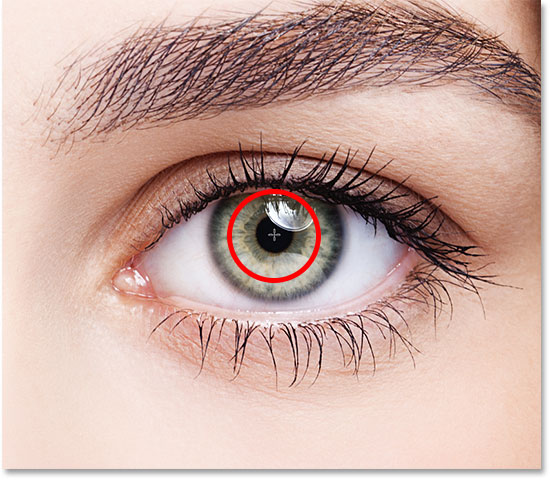 Positioning the cursor in the center of the other eye.