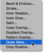 Choosing an Outer Glow layer style.